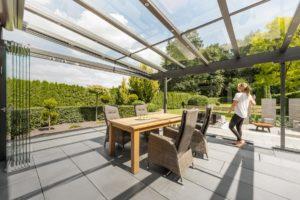 Read more about the article Pfeif auf den Wind! Wie ein Glashaus die Terrasse zurückerobert
