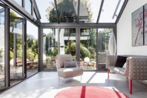 Read more about the article Richtig gut gedämmt! Glas-Faltwand steigert Energieeffizienz beim Wintergarten